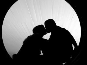 Poate fi sărutul considerat adulter?