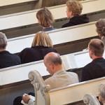 Studiu: Credincioşii luptă în a-şi împărtăşi credinţa