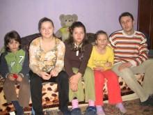 Cele 4 fetiţe orfane de ambii părinţi au o nouă locuinţă (video)