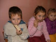 Librăria Maranatha a sponsorizat o masă caldă pentru 50 de copii săraci din Vaslui