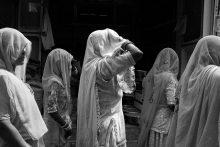 Femeile creştine suferă persecuţii mai grele decȃt bărbaţii