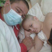 Ajutorul tău îi poate salva viața lui David, un copil care se luptă cu o forma rară de cancer osos